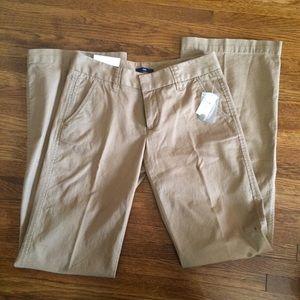 NWT Gap Hipslung Khakis Size 2 Long